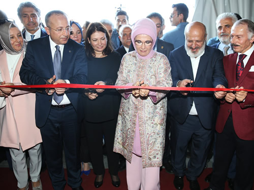First Lady Erdoğan Attends 4th Traditional Siirt Promotion Days