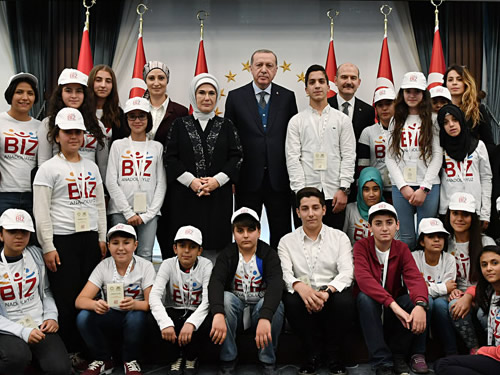 First Lady Receives Children Coming from Mardin as Part of 'We are Anatolia' Project